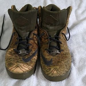 Nike LeBron James 11 NSW Leopard Shoes Size 9